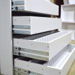 Kontrola zásuviek vstavanej skrine pred exportom