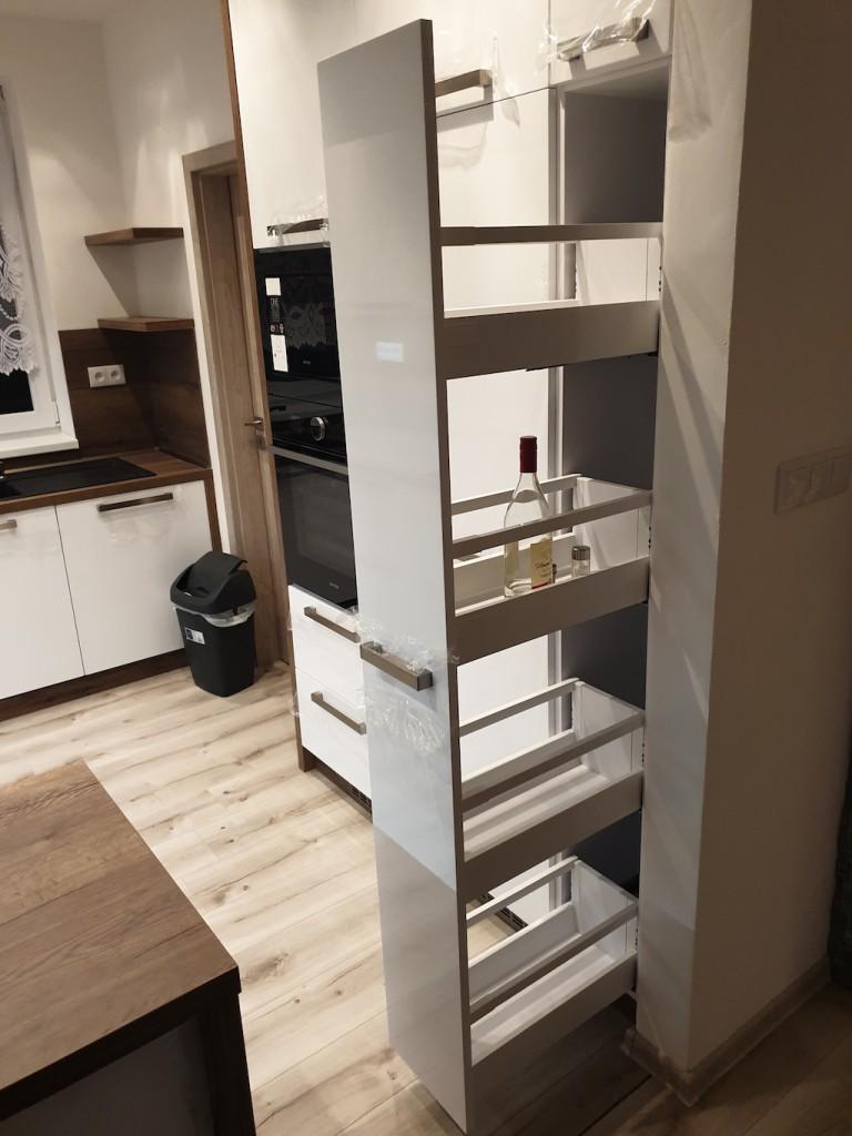 kuchyna-na-mieru-biela-drevo16